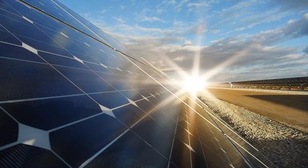 وزير: الإمارات العربية المتحدة بحاجة إلى تقليص عادات استهلاك الطاقة