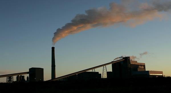 مؤشرات قطاع التأمين، وقطاعات الطاقة يتقاربان