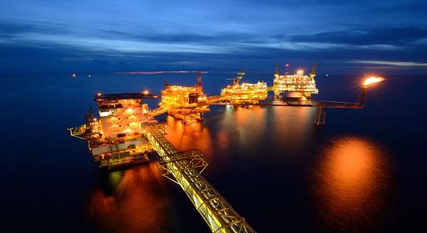 ارتفاع إنتاج النفط العماني 2.5٪، والصادرات بنسبة 9.7 بالمئة