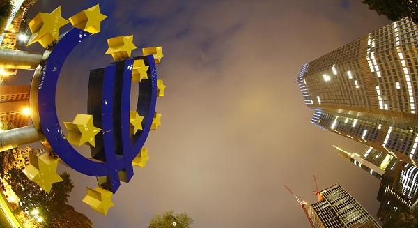 """البنك المركزي الأوروبي على استعداد لاتخاذ """" إجراءات حاسمة """" إذا لزم الأمر"""