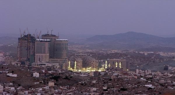 """أمانة """"مكة"""" توقع 4 عقود استثمارية بـ47 مليونا"""