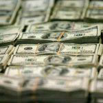 الفجوة في الحساب الجاري الأمريكي يصل لأدنى سعر في 14 عاما في الربع الرابع