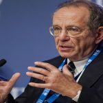 وزير الاقتصاد الإيطالي يقول انه يمكن أن يكون النمو 0.8% في 2014