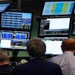Earnings lift S&P 500, Nasdaq; S&P's best week since July