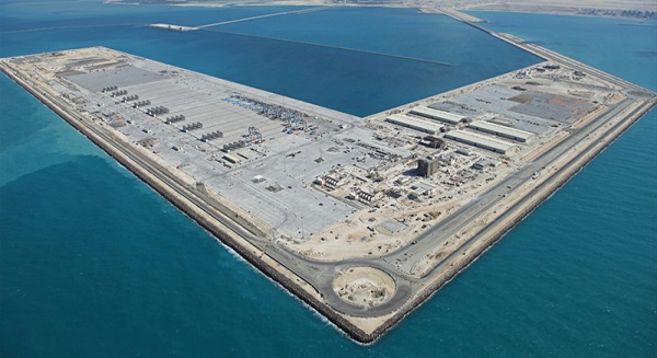 الموانئ والمناطق الحرة عصب الصناعات المعدنية في سلطنة عُمان