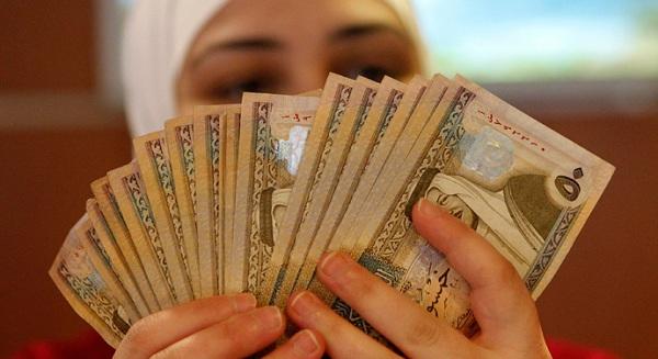 بريطانيا تخطط لبيع 200 مليون جنيه من السندات الإسلامية