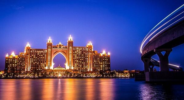 دبي تتطلع إلى الشراكة الصينية للمشاريع الضخمة