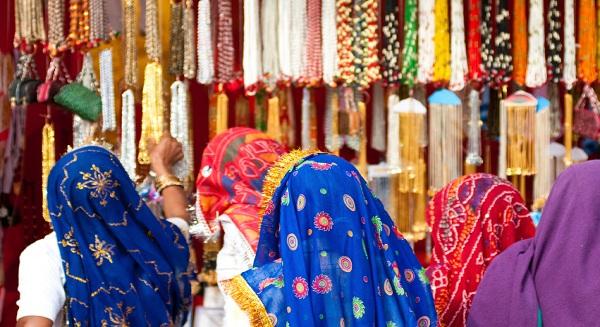 صناعة النسيج ثاني أكبر صناعة في الإمارات