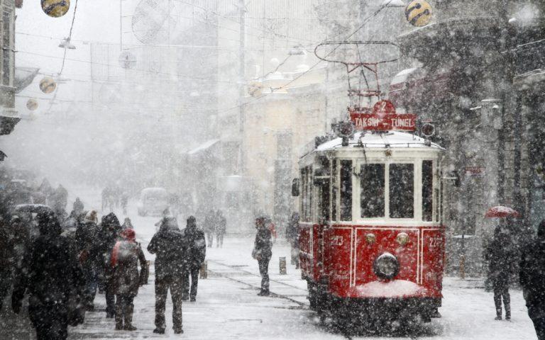 اسطنبول تستعد لتساقط الثلوج قبل ليلة رأس السنة الميلادية