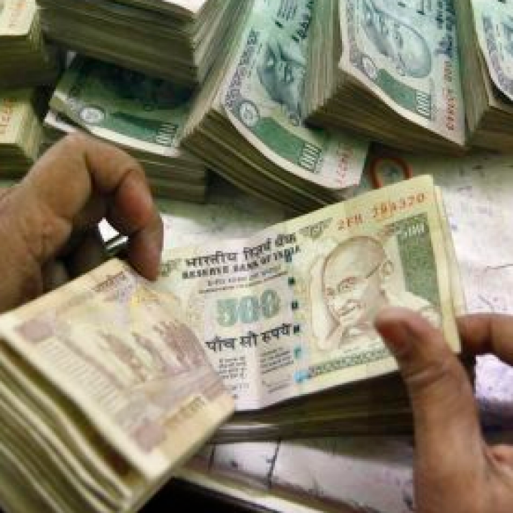 India's rupee falls to an all-time low