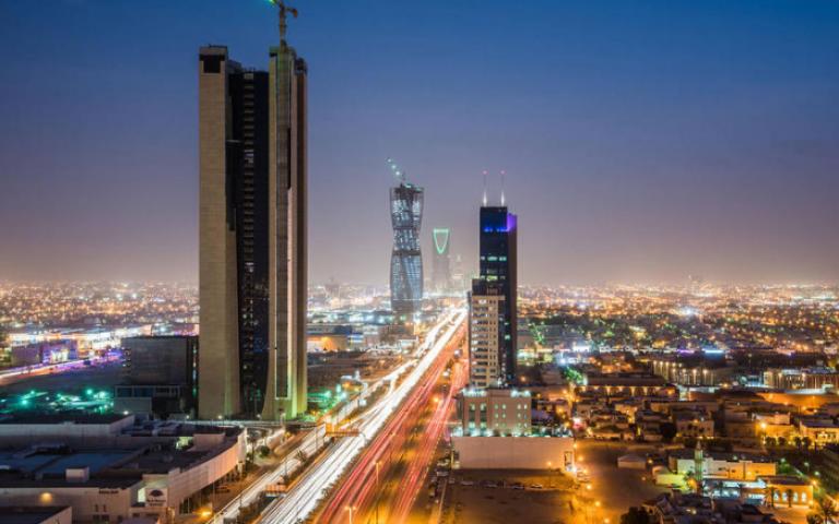 """""""الأهلي التجاري"""" السعودي و""""بنك الرياض"""" يعلنان عن بدء مناقشات مبدئية لدراسة الاندماج بينهما"""