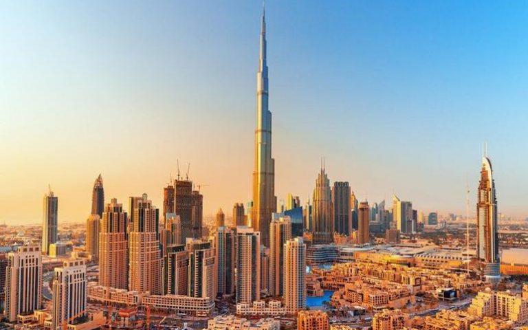 دبي تطلق خطة إعادة فتح مراكز التسوق والمكاتب بعد رمضان