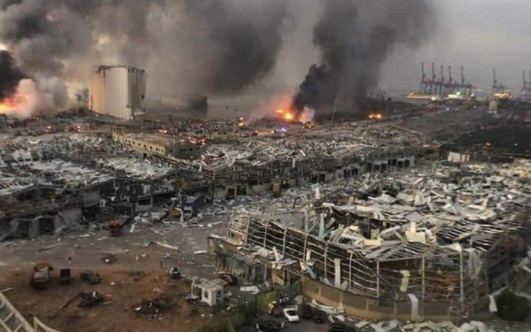 """انفجار ضخم في مرفأ بيروت وإعلان العاصمة """"مدينة منكوبة"""""""